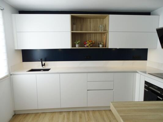 Cuisine design blanche et bois