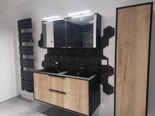 Salle de bain moderne noir avec double vasque