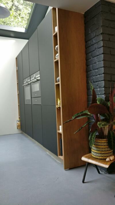 Grand meuble de rangement noir