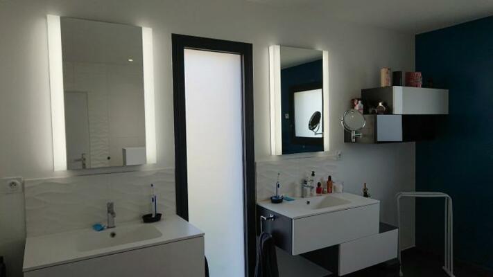 photo salle de bain lumineuse